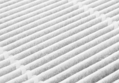 Een groep van witte stoffige luchtfilters